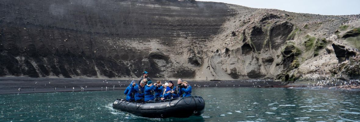 Zodiac adventure (Deception island)