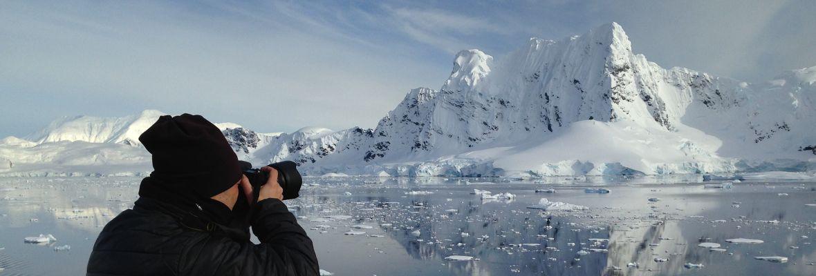 Renato Granieri photographing the Antarctic region